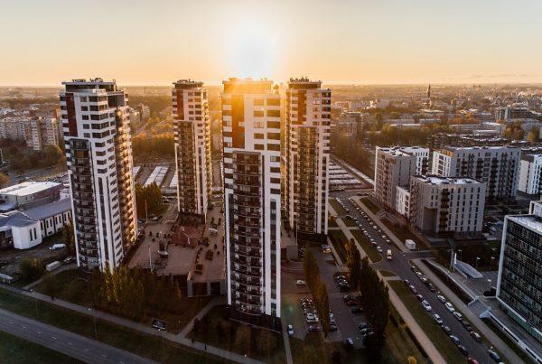 apartamentos poentes mitos - por do sol entre prédios
