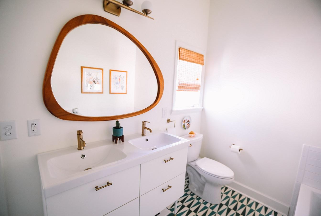 Como decorar o banheiro: dicas simples para transformar o espaço