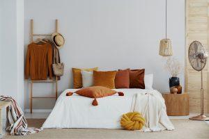 Mesa de cabeceira - quarto decorado