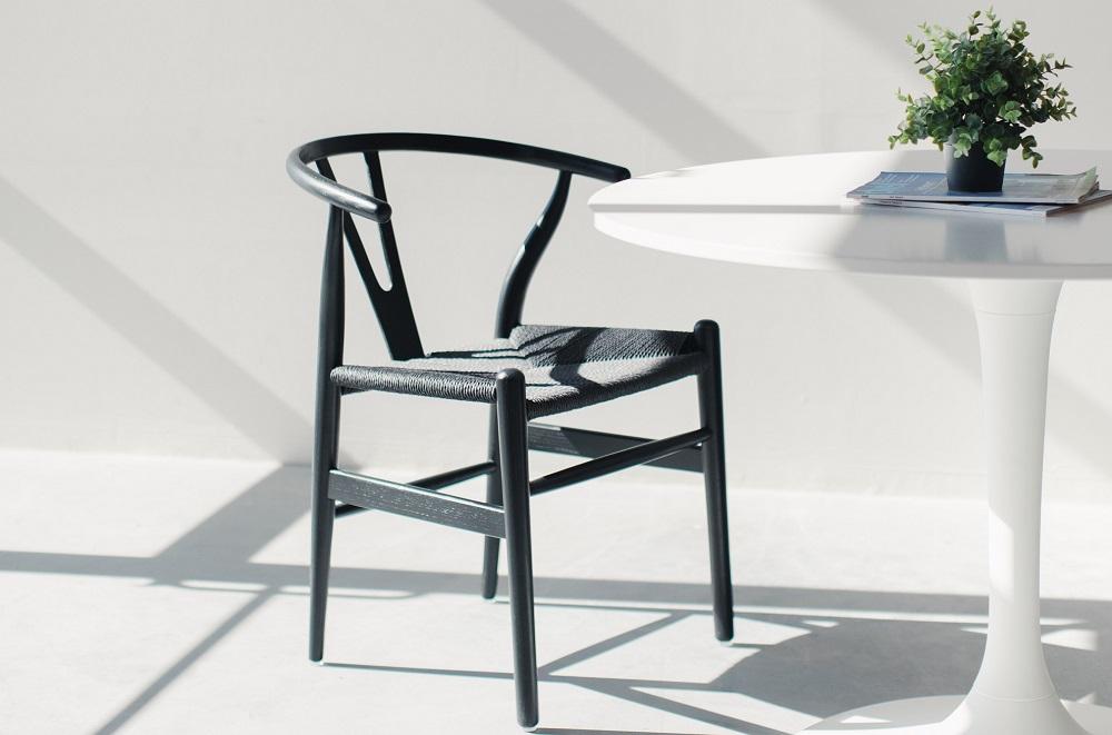 4 modelos de cadeiras atemporais para decorar sua casa
