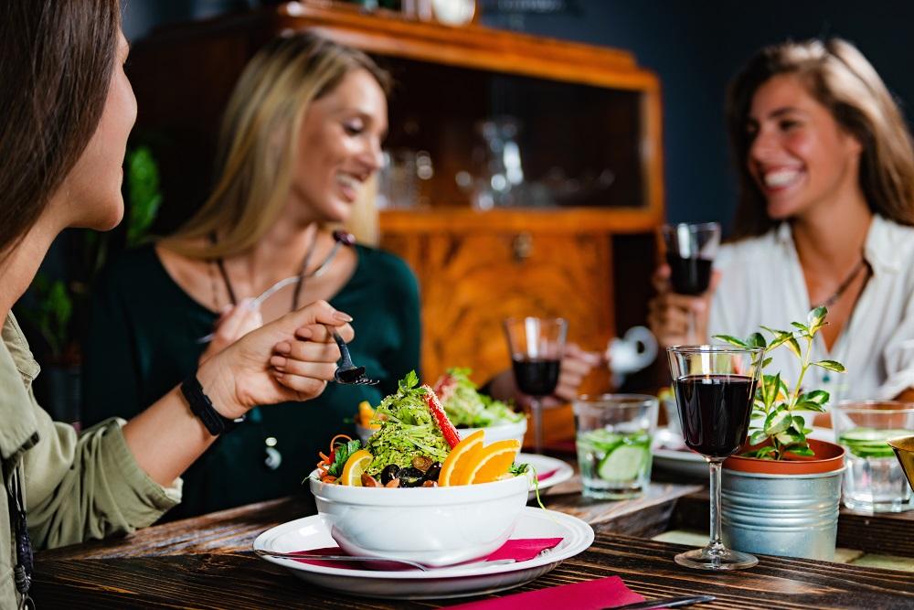 Vai morar na Ponta Verde? Descubra 4 restaurantes incríveis no bairro!